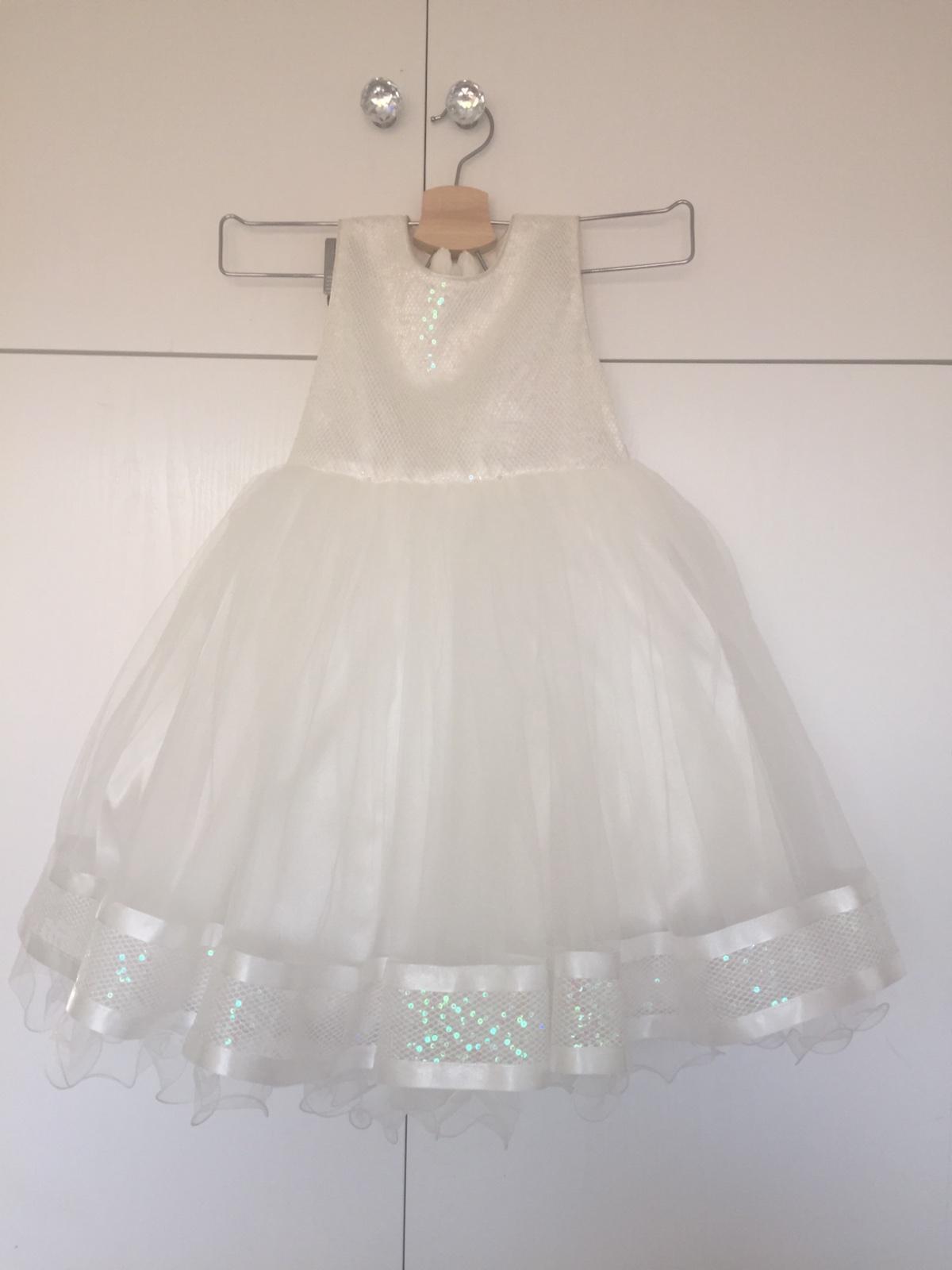 947d4f5e878d Nádherné šaty pre družičku