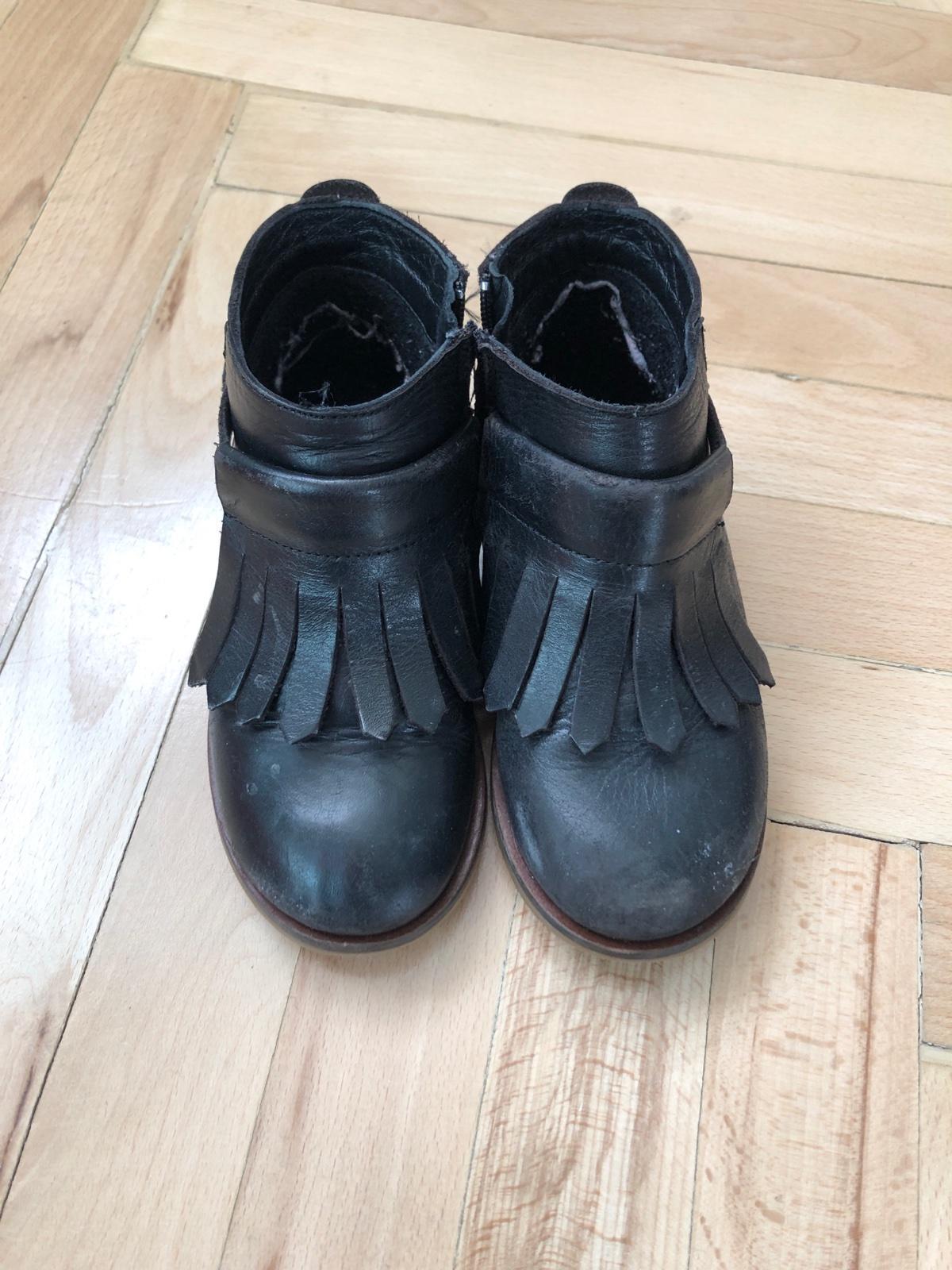 Čierne kožené čižmy so strapcami 366fd9a4f3b