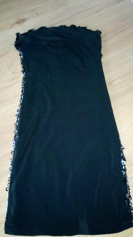 Večerné krátke sexi šaty veľkosť s e7cf011c3b0