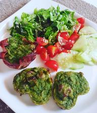 Brokolicové muffiny so šalátom