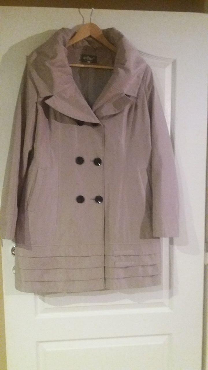 f2836e70c3e Prechodný kabát -