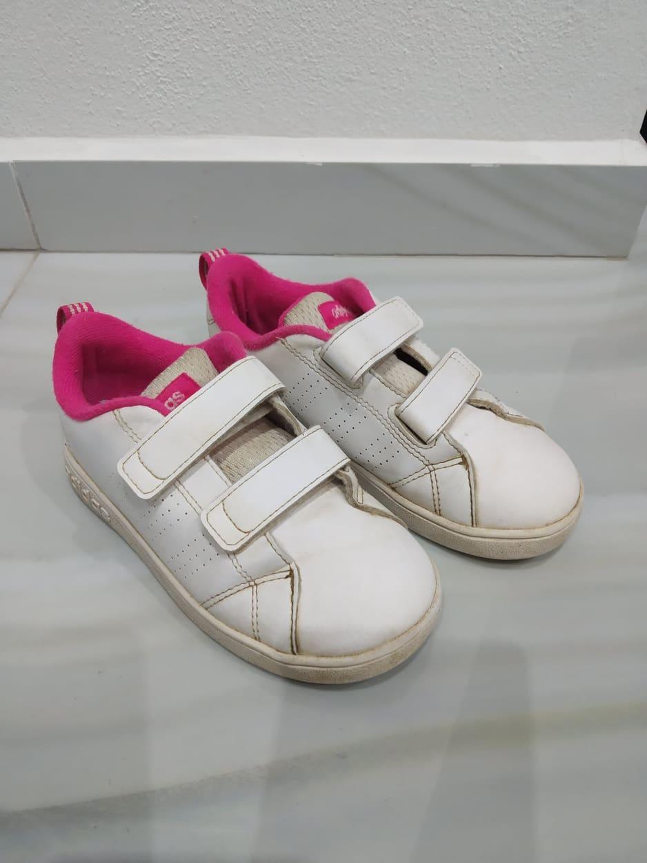 e1e0433ab Dievčenské tenisky zn.adidas, č.27, adidas,27 - 4,50 € od predávajúcej  lesli3 | Detský bazár | ModryKonik.sk