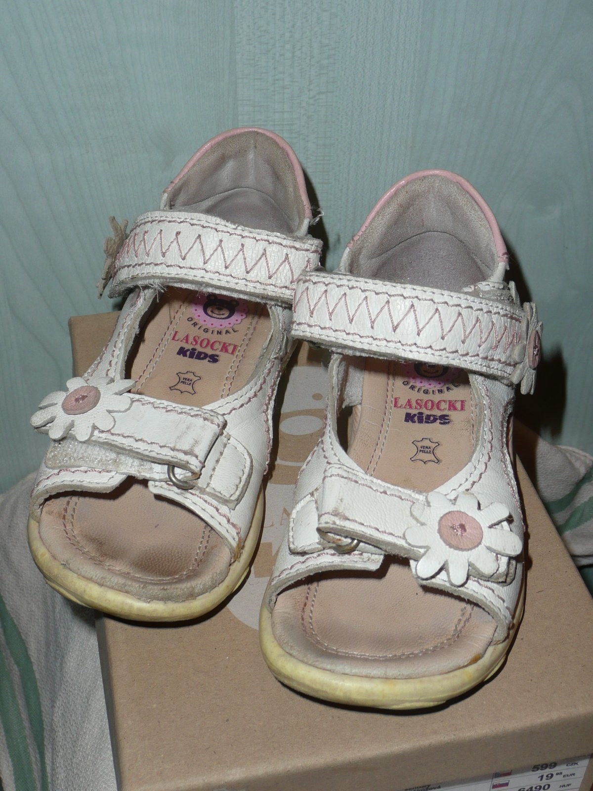 34ad6d68d5 Sandálky kožené