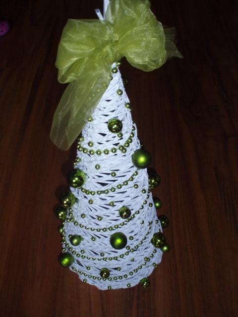 1355ec545 Na vianoce - pletené z papiera - stromček - výška 50 cm - Album ...