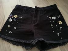 Čierne šortky zdobene, fishbone,xs