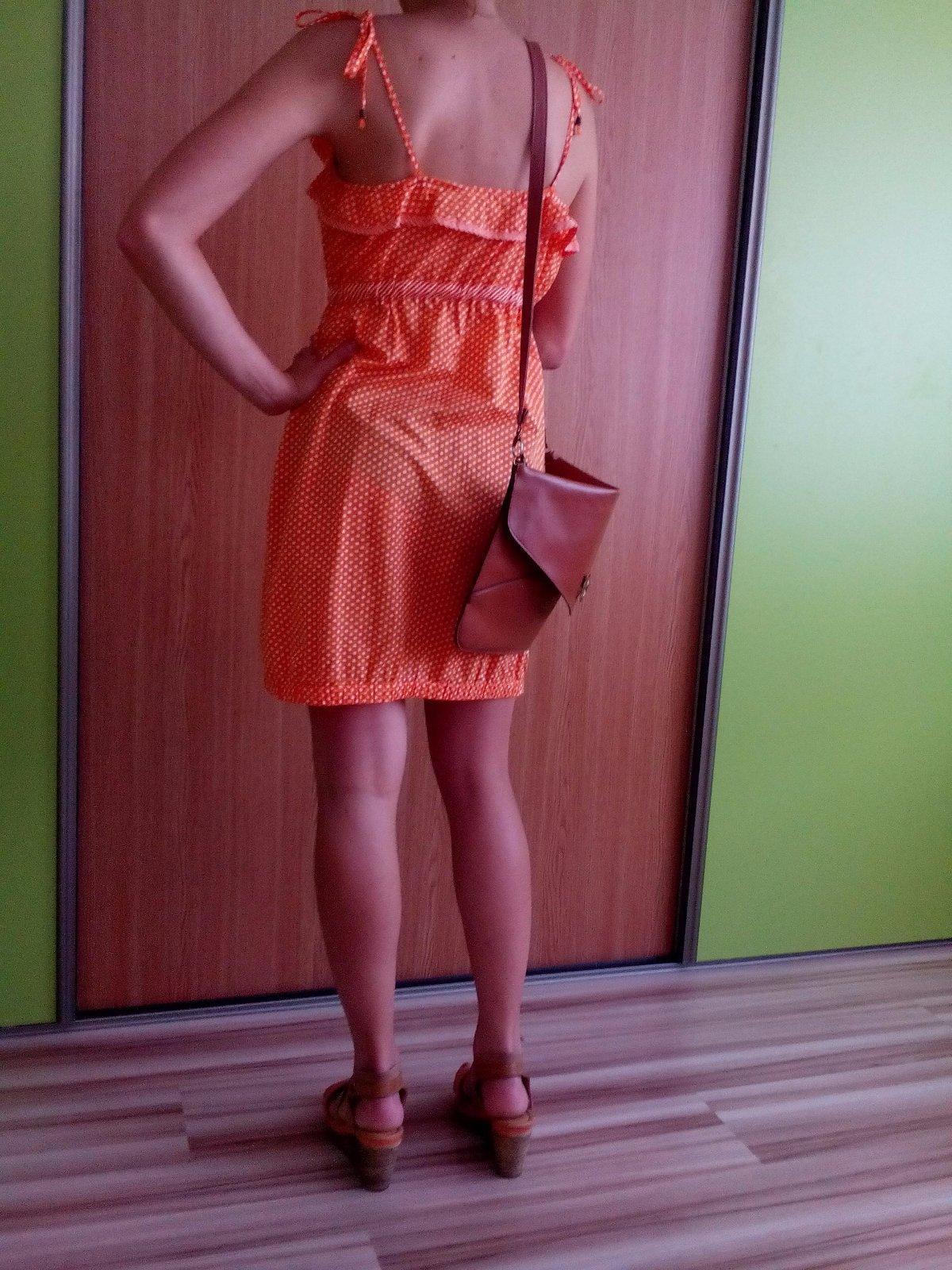 IBA PREDAJ !! IBA VOPRED NA ÚČET  )IBA PREDAJ !! IBA VOPRED NA ÚČET  ) Lacné  oranžové bodkované šaty ... a48a0f4d0ec