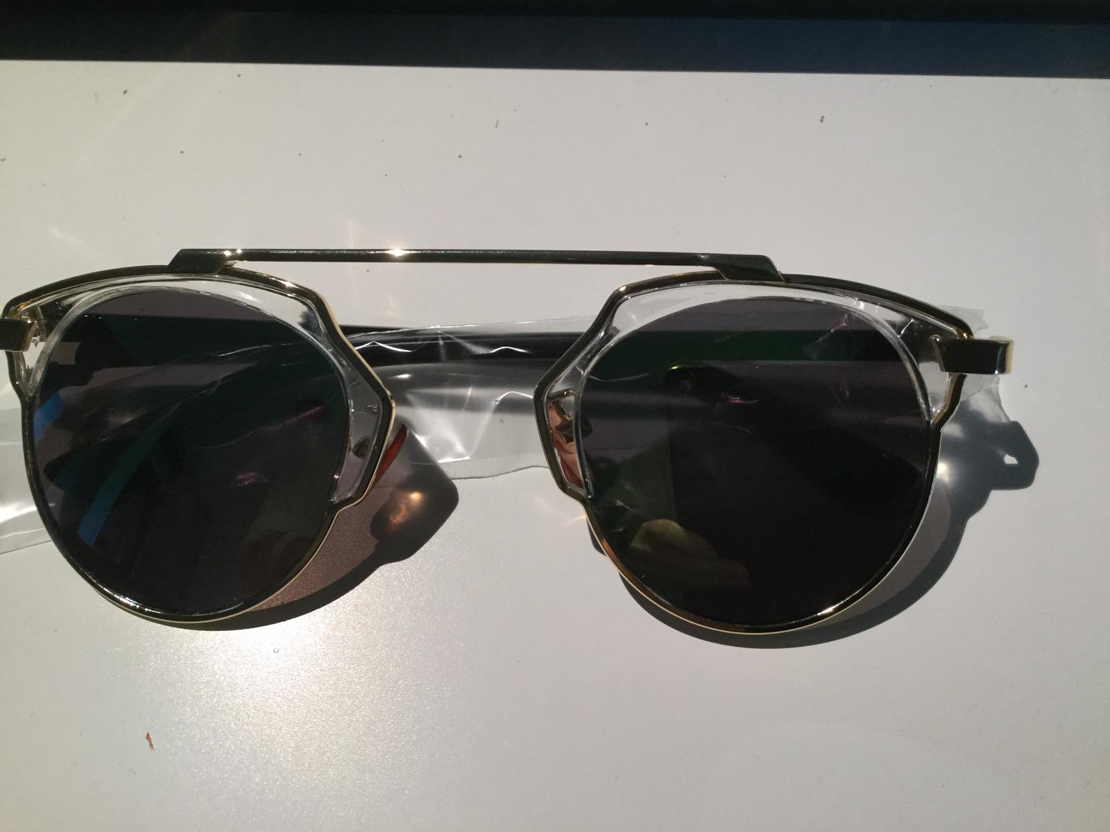 bc001e2d51 Pozor AKCIA  Pri kúpe 2 veci a viac p. Detské okuliare v štýle dior