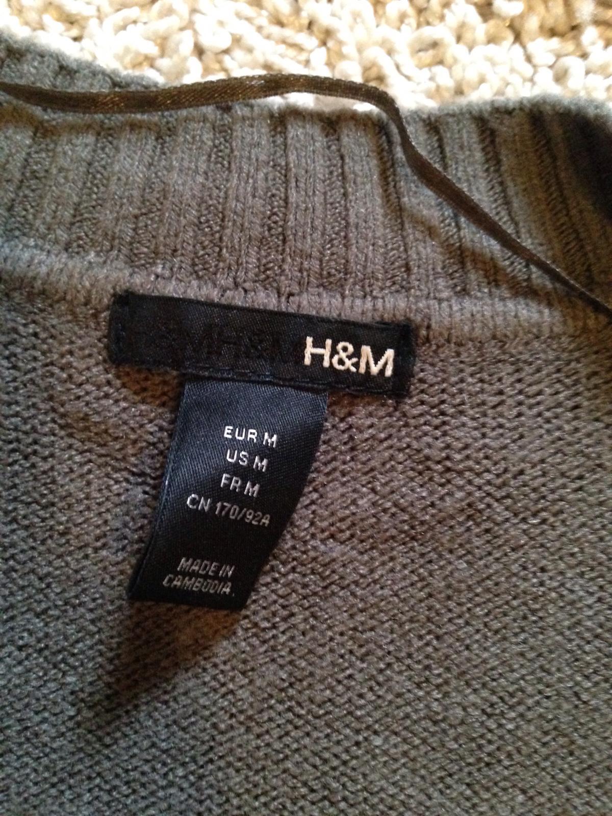 33a9e35accb8 26 inzerátov • 5 hodnotení. Výpredaj - malo nosený dlhy pulover k leginam  ...
