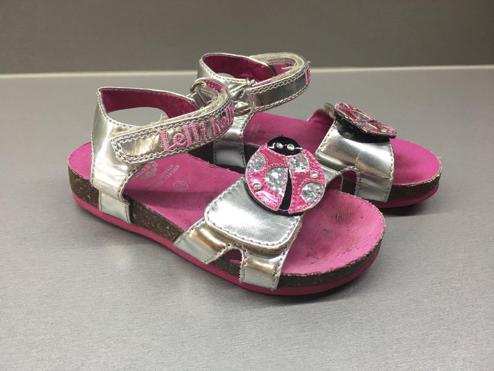6b7f4eb6a5c6 Strieborné zdravotné sandálky s lienkou