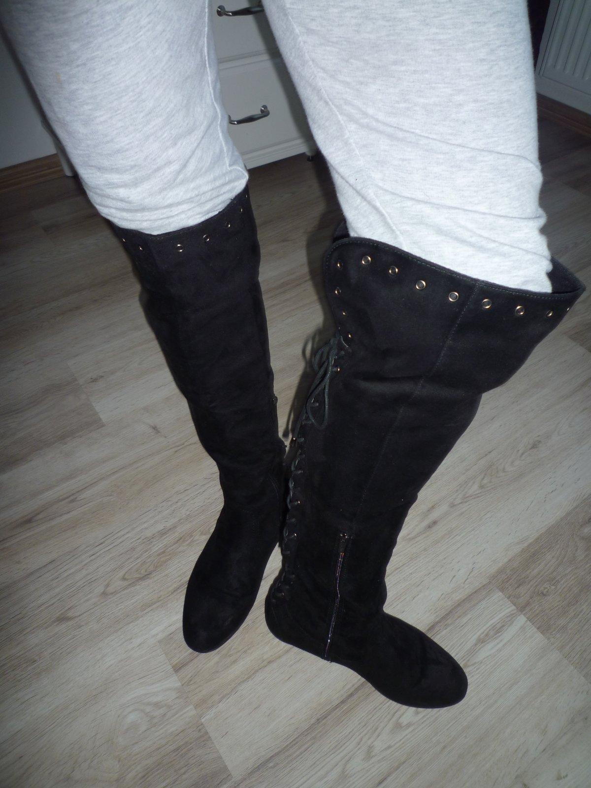 7a47d0365 Semišové čižmy nad kolená ccc, 40 - 20 € od predávajúcej jeykey | Detský  bazár | ModryKonik.sk