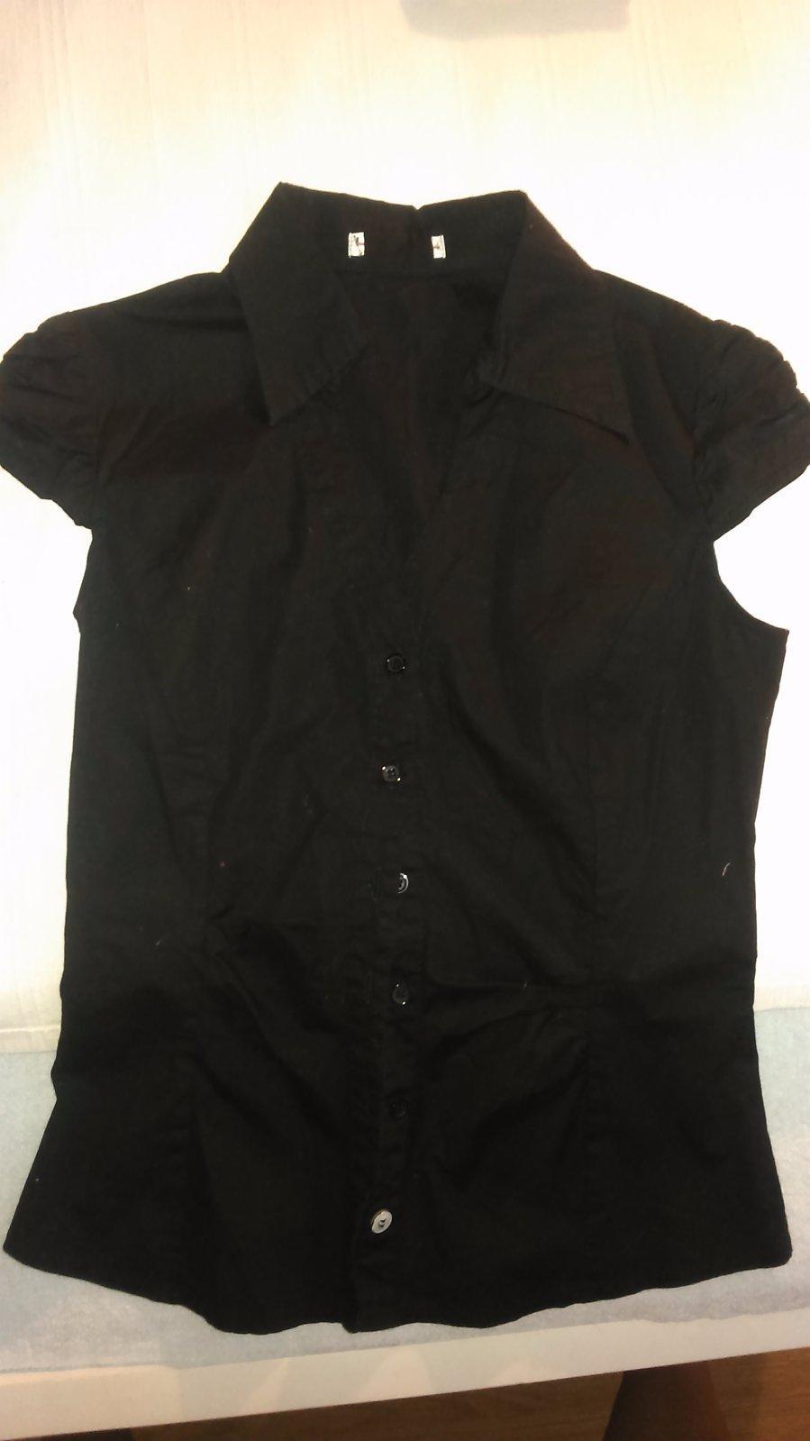 fe84c0ab007b Predám čiernu košeľu- krátky rukáv