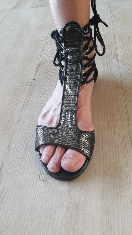 204d82edc7 Sandale gladiatorky v top stave