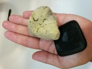 Moja účinná zbraň-mydlo a extra jemná morská hubka