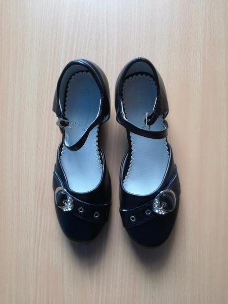 8c0608e4086a8 Dievčenské spoločenské topánky, john garfield,33 - 7 € od ...