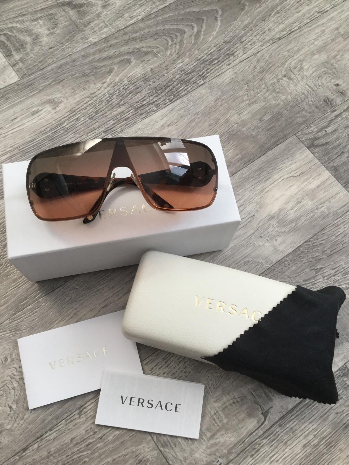 b1ede5d36 Versace slnecne okuliare, - 120 € od predávajúcej katka1025 | Detský bazár  | ModryKonik.sk