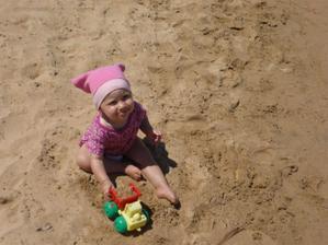 nasla som si na plazi aj auto