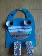 inspirovane Zazracnym atelierom - vysacka na dvere v Patrickovom podani ma podobu robota
