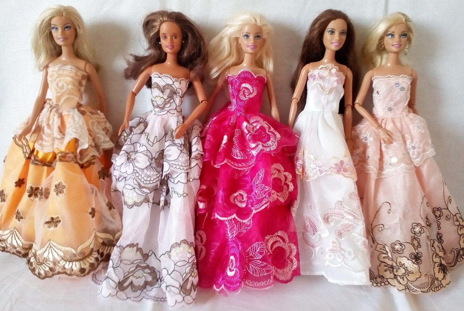 Krásne nové dlhé šaty pre barbie 9e589f5f27e