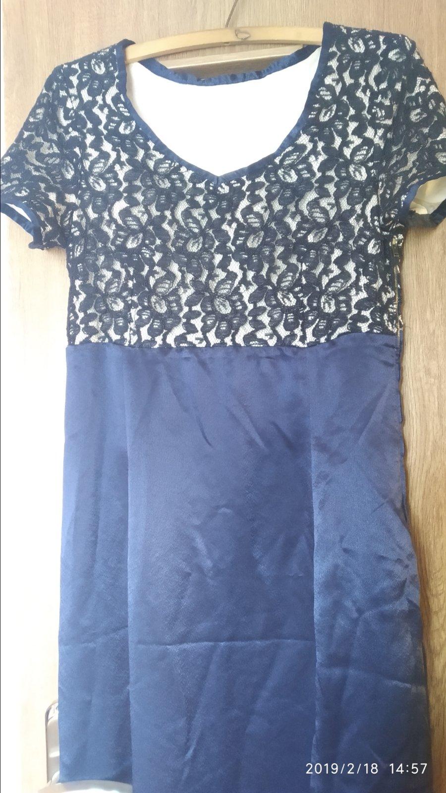 e015a560da Spoločenské čipkované šaty