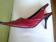 Červené kožené sandálky, dohoda možná, 37