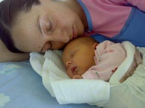 s maminkou v porodnici