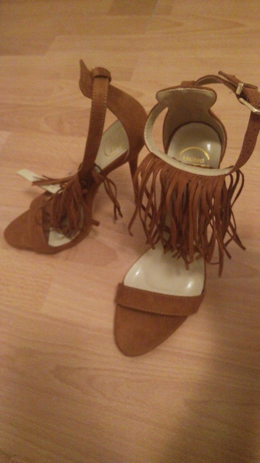 96d8f6557b47 Dámske sandále na ihličkovom opätku na predaj