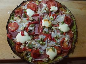 Brokolicová pizza
