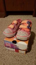 Predám skechers blikajúce topánky vo veľkosti 22, skechers,22