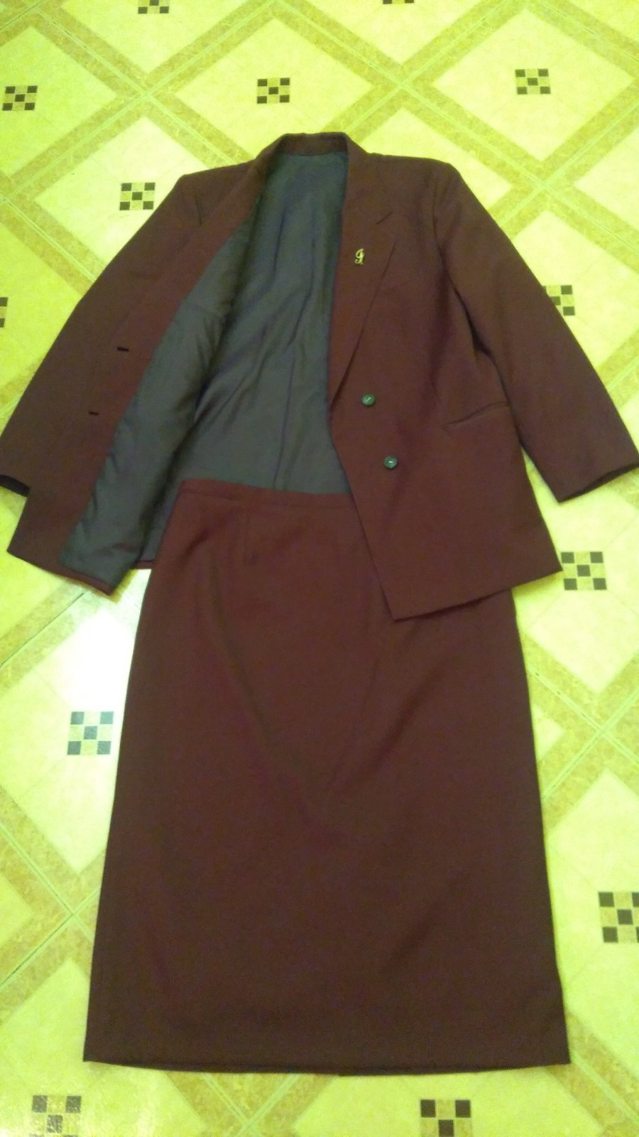 Dámsky kostým c7b5954ffe2