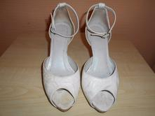 Kremove sandalky, 36