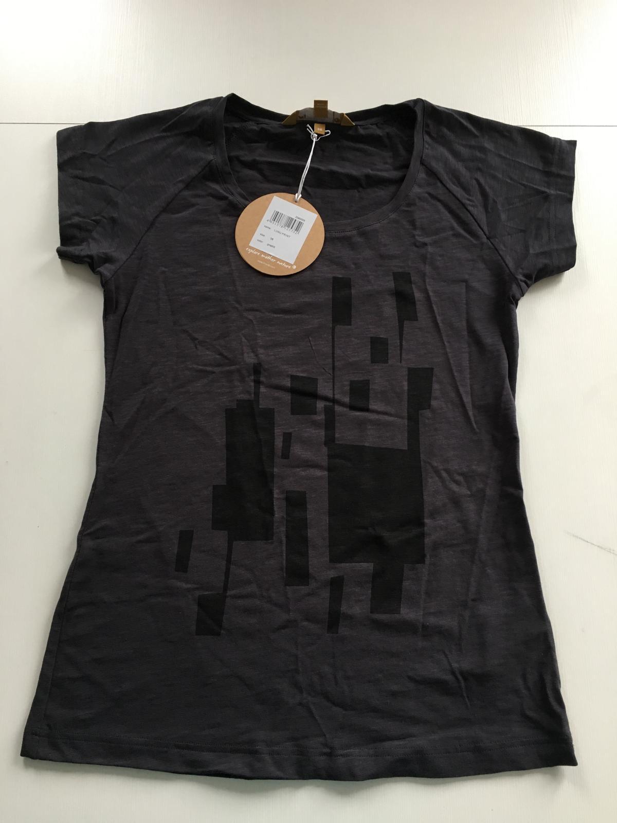 5f68804efe16 Luxusné dámske tričko zn. finside