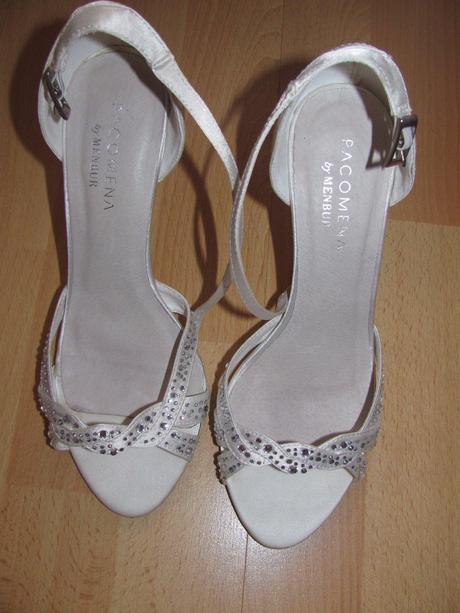 6046e445f566 Svadobné sandále