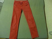 Červené nohavice, 140