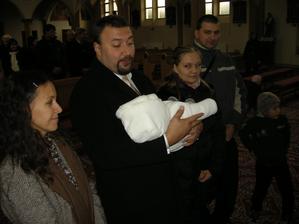 Na krstného som sa toľko rehotal, až nevydržal tváriť sa vážne :-)