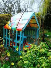 http://decozilla.com/2014/03/outdoor-pallet-furniture-ideas/