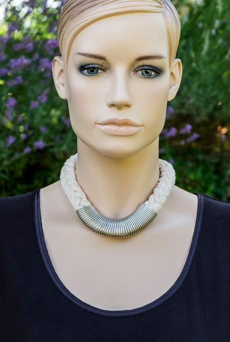 6b37048bc Špagátový náhrdelník s náramkom, - 6 € od predávajúcej gazah | Detský bazár  | ModryKonik.sk