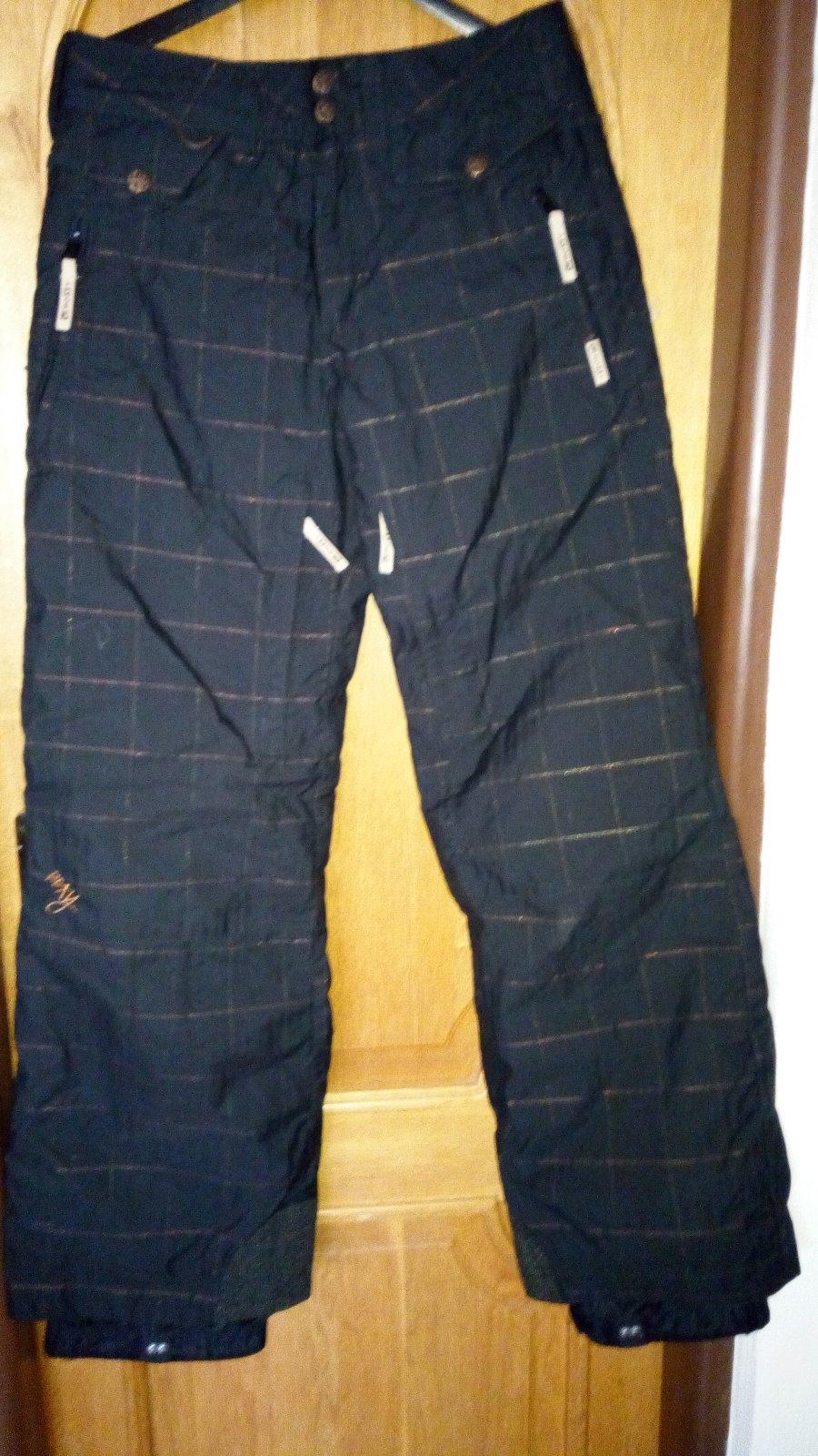 e01a49fd7c6f Lyžiarske nohavice zn.roxy použité parkrat