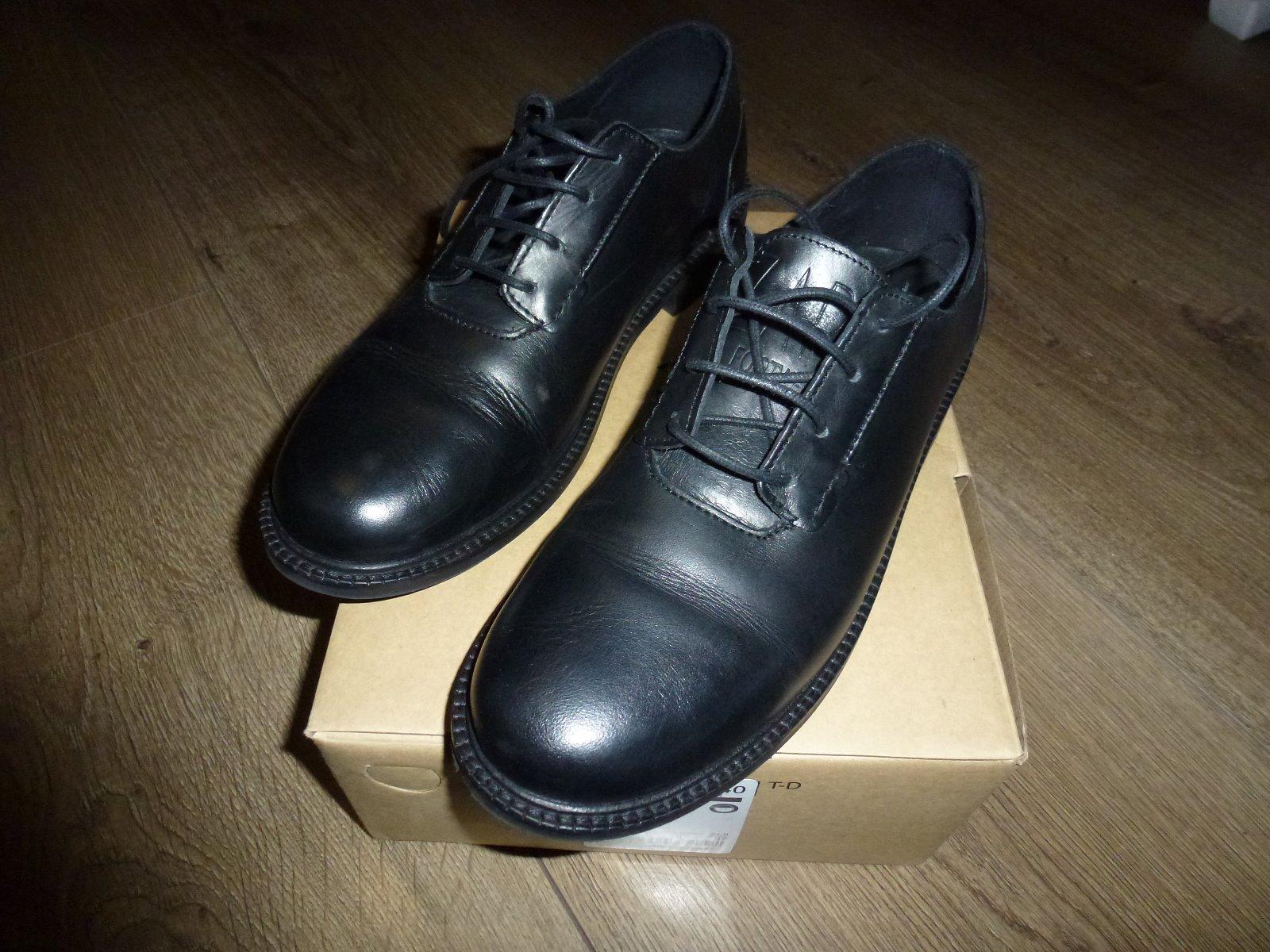 Chlapčenské spoločenské topánky - 100-ný stav 416dad89ca3