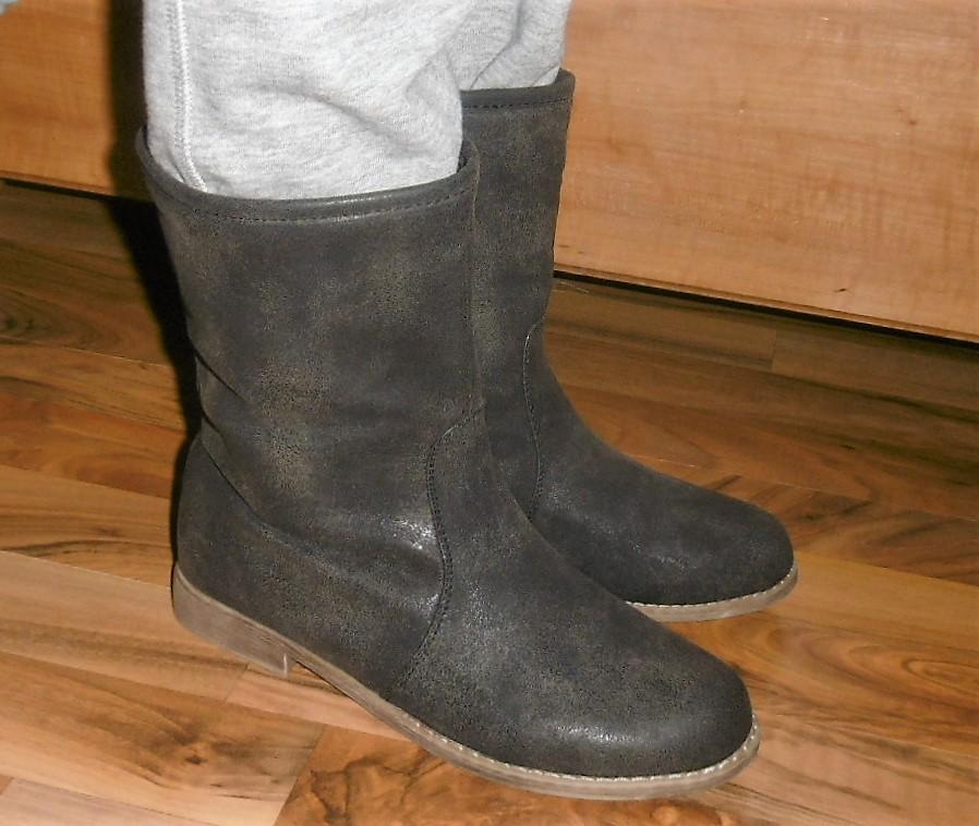 fa140f7f58fb8 Prechodné čižmy na úzku nohu, 38 - 6 € od predávajúcej isabelle24 | Detský  bazár | ModryKonik.sk