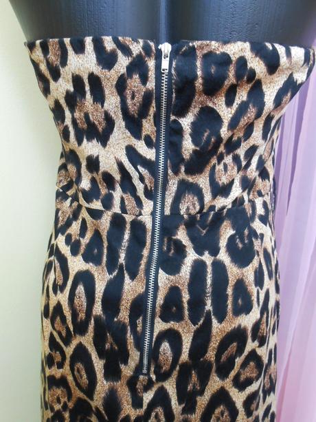 Elegantné tigrované šaty s bolerkom 1b4e09677eb