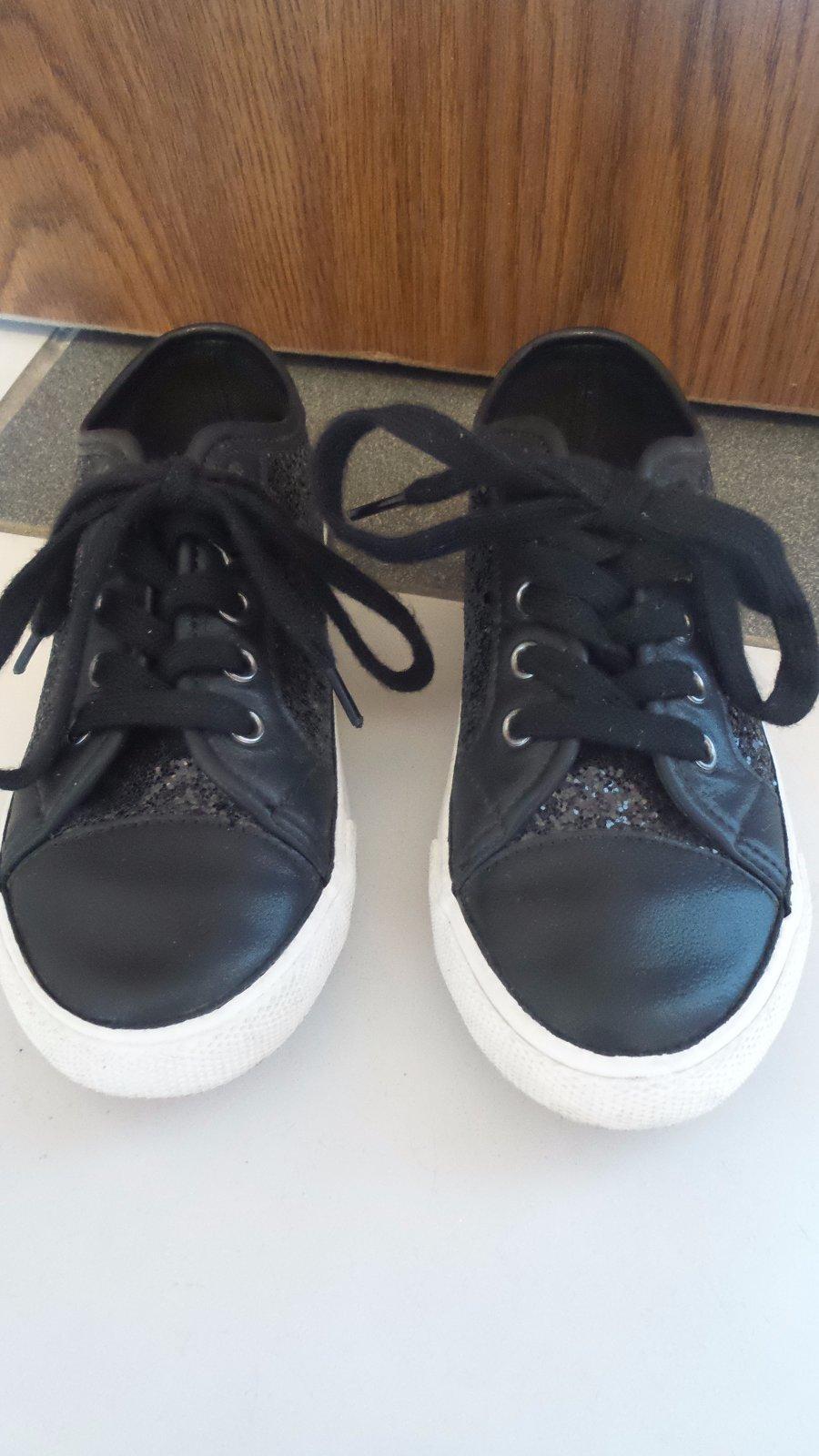 13a1190c50cbf Čierne tenisky s flitrami, f&f,31 - 8 € od predávajúcej nikush29 ...