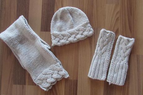 18df0db1b Súprava čiapka, šál, rukavice, f&f,122 - 4 € od predávajúcej ...