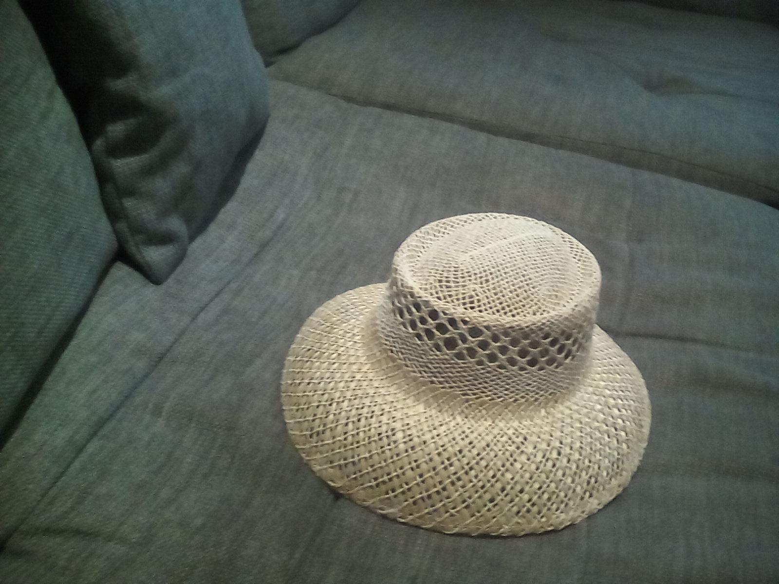 412ccba73 Stylový klobuk, s - 5 € od predávajúcej lenusik26 | Detský bazár |  ModryKonik.sk