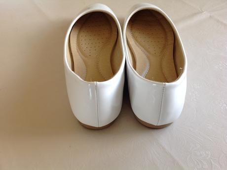 Biele lesklé baleríny ce4a8f75f01