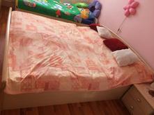 Predám manželskú posteľ 220x180 s úložným priestor,
