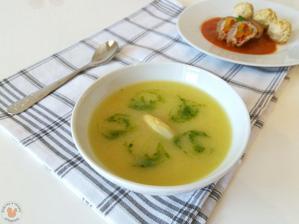 1r.+ Chřestovo-cuketová polévka s pestem z medvědího česneku