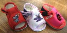 Akcia - dievčenské sandálky s výšivkou č.16 a17 1b8dd45b9e1