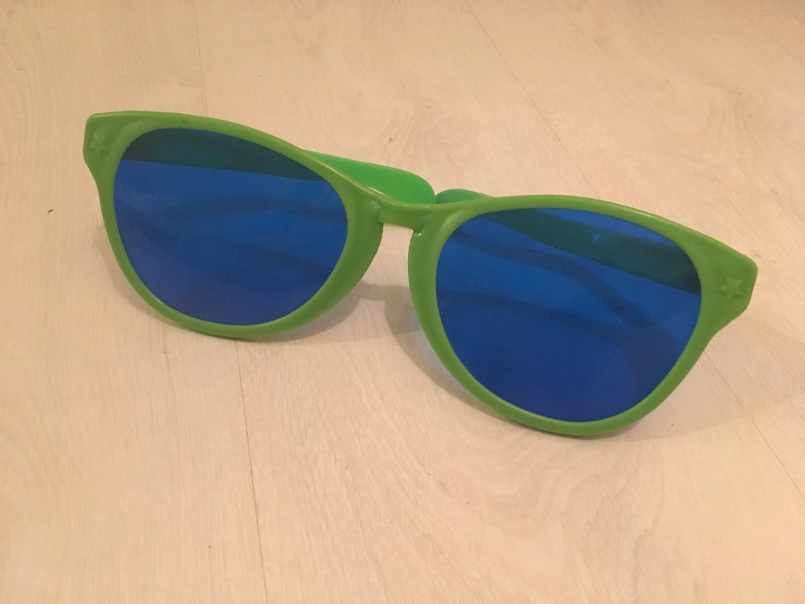 Žartovný predmet - veľké okuliare 871b5c6c727