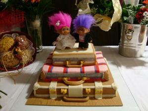 Toto su naši trollkovia,ktorých sme požičali pani na svadbu :) aj ja ich budem chcieť mať na svojej;)
