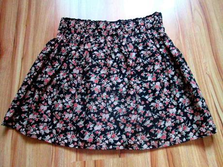 Kvetovaná sukňa, atmosphere,s